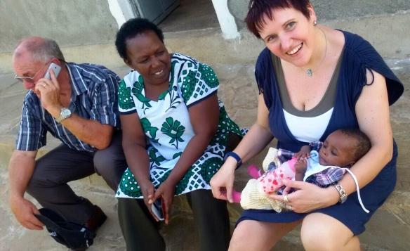 Tanja Fischer ist eine gute Freundin von uns, unterstützt ein Waisenhaus und hilft uns regelmäßig bei unserer Arbeit. Netzwerke sind wichtig, wenn wir effektiv helfen wollen.